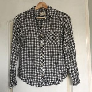 Universal Thread Plaid button down shirt